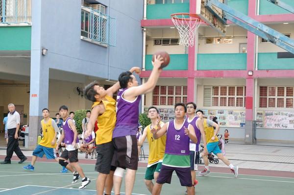 http://www.ntsha.org.hk/images/stories/activities/2016_teachers_basketball_match/smallDSC_2216.JPG