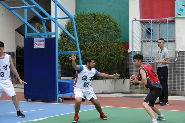 http://www.ntsha.org.hk/images/stories/activities/2018_teachers_basketball_match/smallDSC00216.JPG