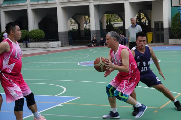 http://www.ntsha.org.hk/images/stories/activities/2018_teachers_basketball_match/smallDSC00937.JPG