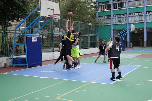 http://www.ntsha.org.hk/images/stories/activities/2018_teachers_basketball_match/smallDSC00949.JPG