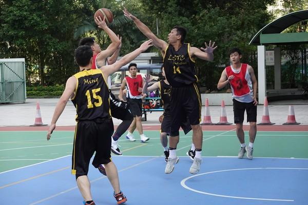 http://www.ntsha.org.hk/images/stories/activities/2018_teachers_basketball_match/semi_fin_and_fin/smallDSC01234.JPG