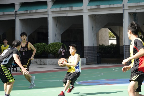 http://www.ntsha.org.hk/images/stories/activities/2018_teachers_basketball_match/semi_fin_and_fin/smallDSC01476.JPG